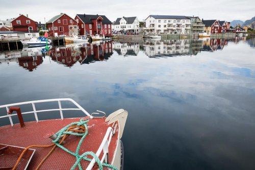bateau-port-Henningsvaer-Lofoten-Norvege.jpg