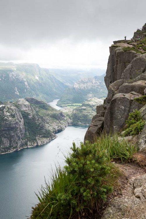 falaise-Lysefjord-Preikestolen--fjord-Norvege.jpg