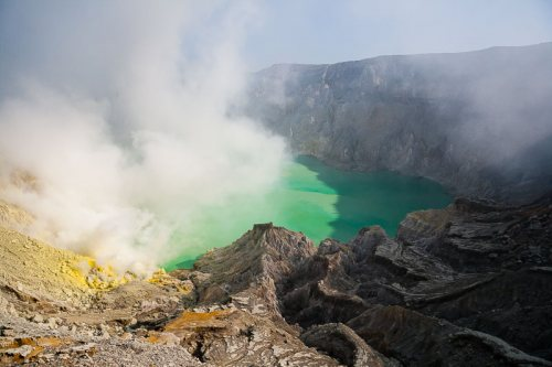 Kawah-Ijen-volcan-Indonesie-Java.jpg